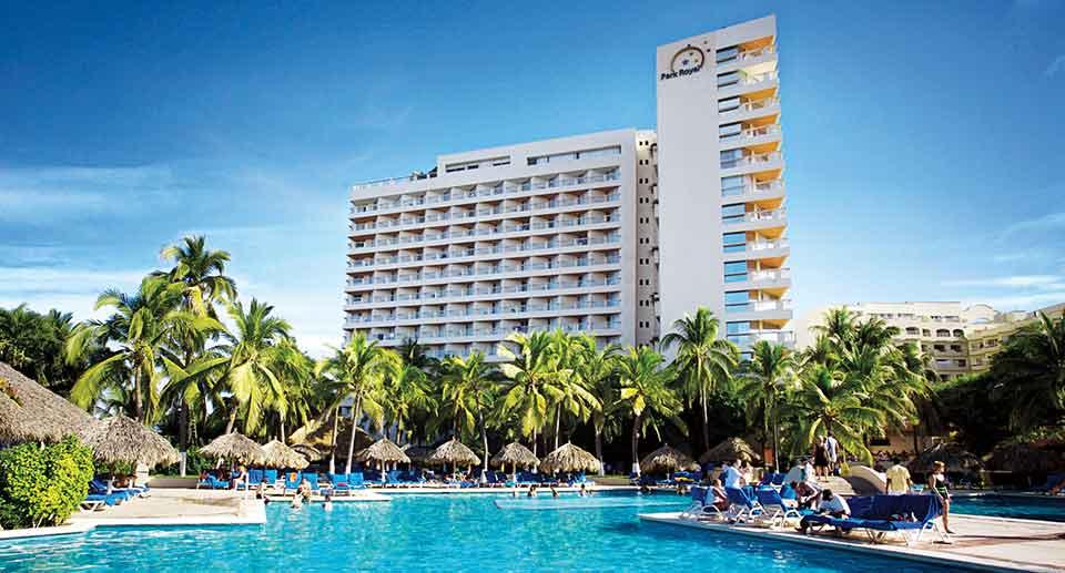 En Ixtapa se da mano de gato a los hoteles para que no se diga que ya están caducos, admite Sandra Almada