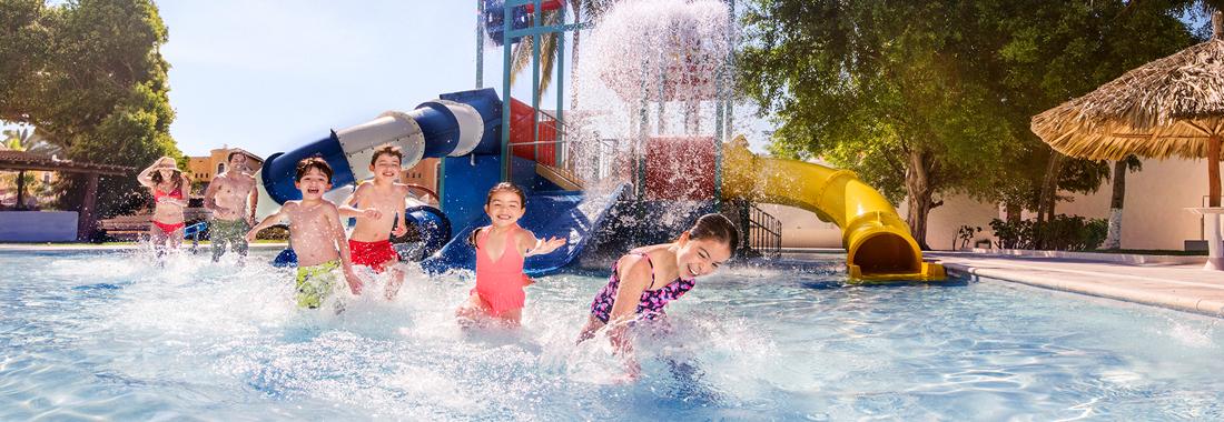 Royal Holiday - Ixtapa, de las mejores playas en el Pacífico  - Vívela de febrero a junio con Todo Incluido gratis para 2 niños