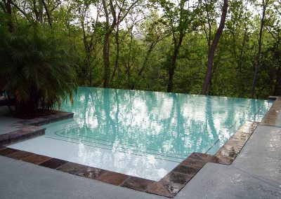 Pool-vanishing-edge-acrylic-textured-decking