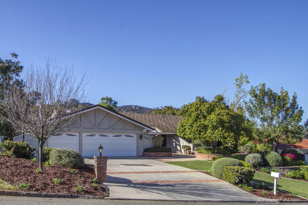 13209 Silver Saddle Lane, Poway California 92064
