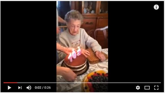 102歳の誕生日に入れ歯が