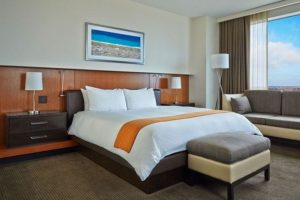 Hotel Arista Naperville Bed