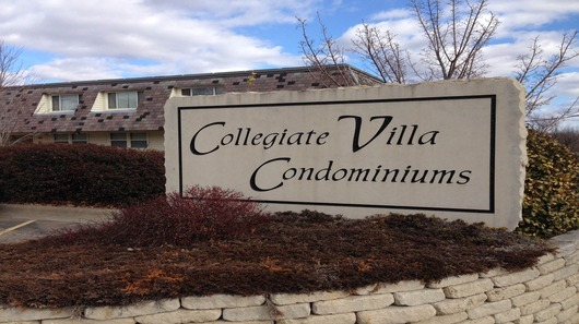 Collegiate villa sign