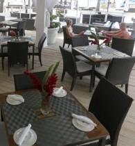 Cafe La Plage - Beach House Hotel