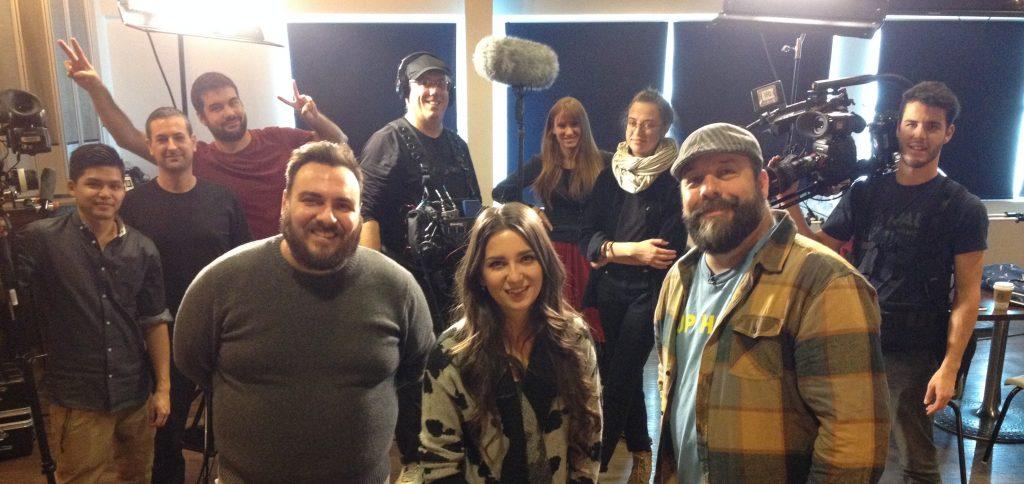Le jury des auditions de Planète BRBR à Sudbury en premier plan, de gauche à droite : Christian Pelletier, Céleste Lévis et Stef Paquette. En arrière plan, l'équipe de tournage de BRBR.