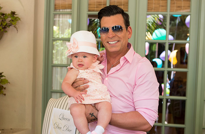 David Tutera & Ryan Jurica's Twin Babies Have Never Met [VIDEO]