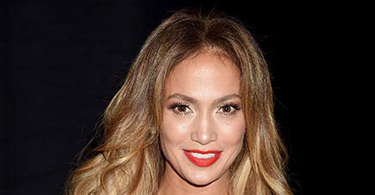 PEOPLE Magazine Awards: Jennifer Lopez Wins Triple Threat Award