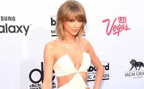 The 30 Most Memorable Billboard Music Awards Looks of All Time