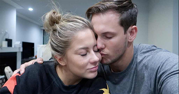 Shawn Johnson Reveals She Had Miscarriage in Heartbreaking Video
