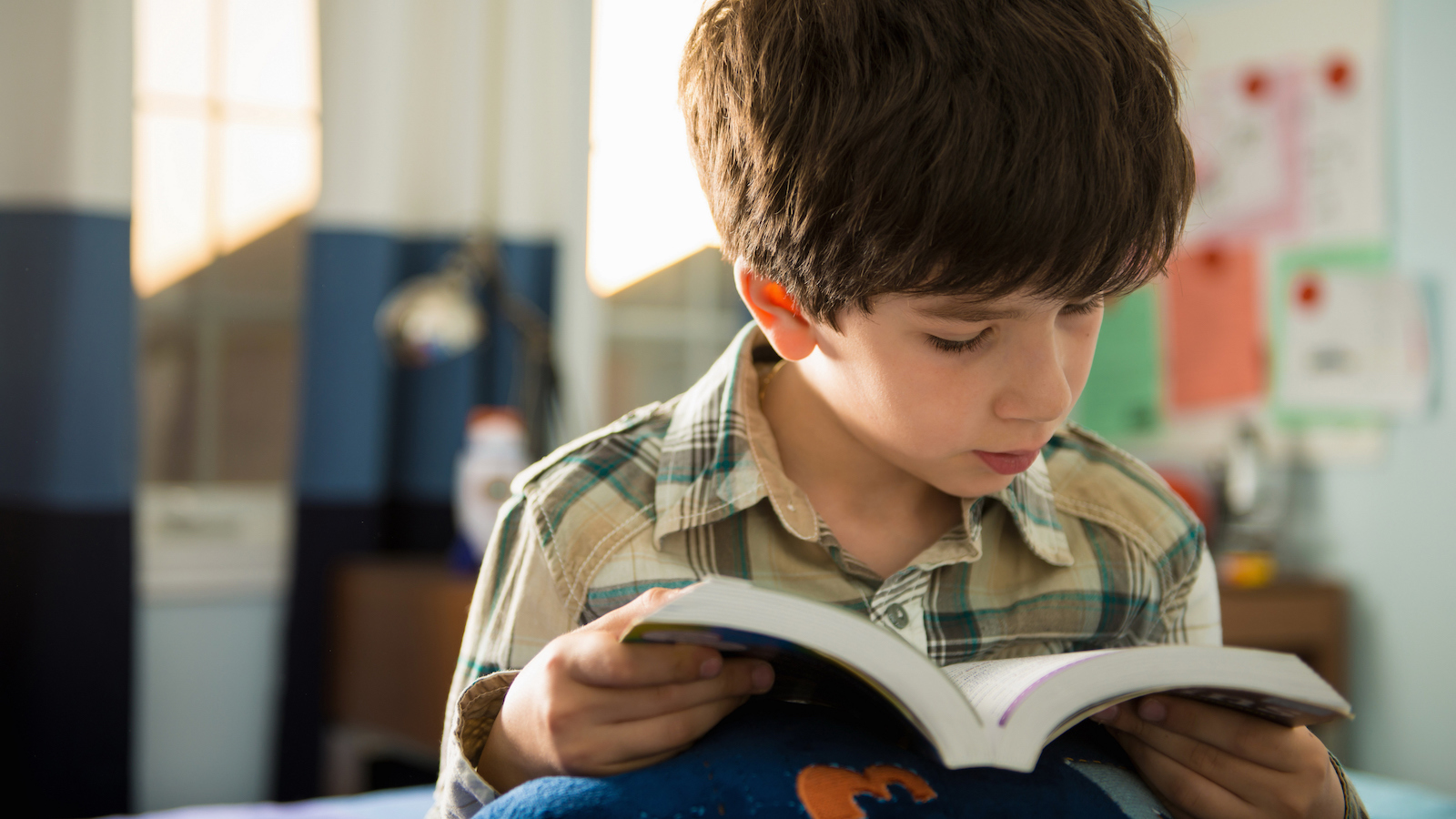 How to Get Students Engaged in Reading: 5 Tips for Teachers