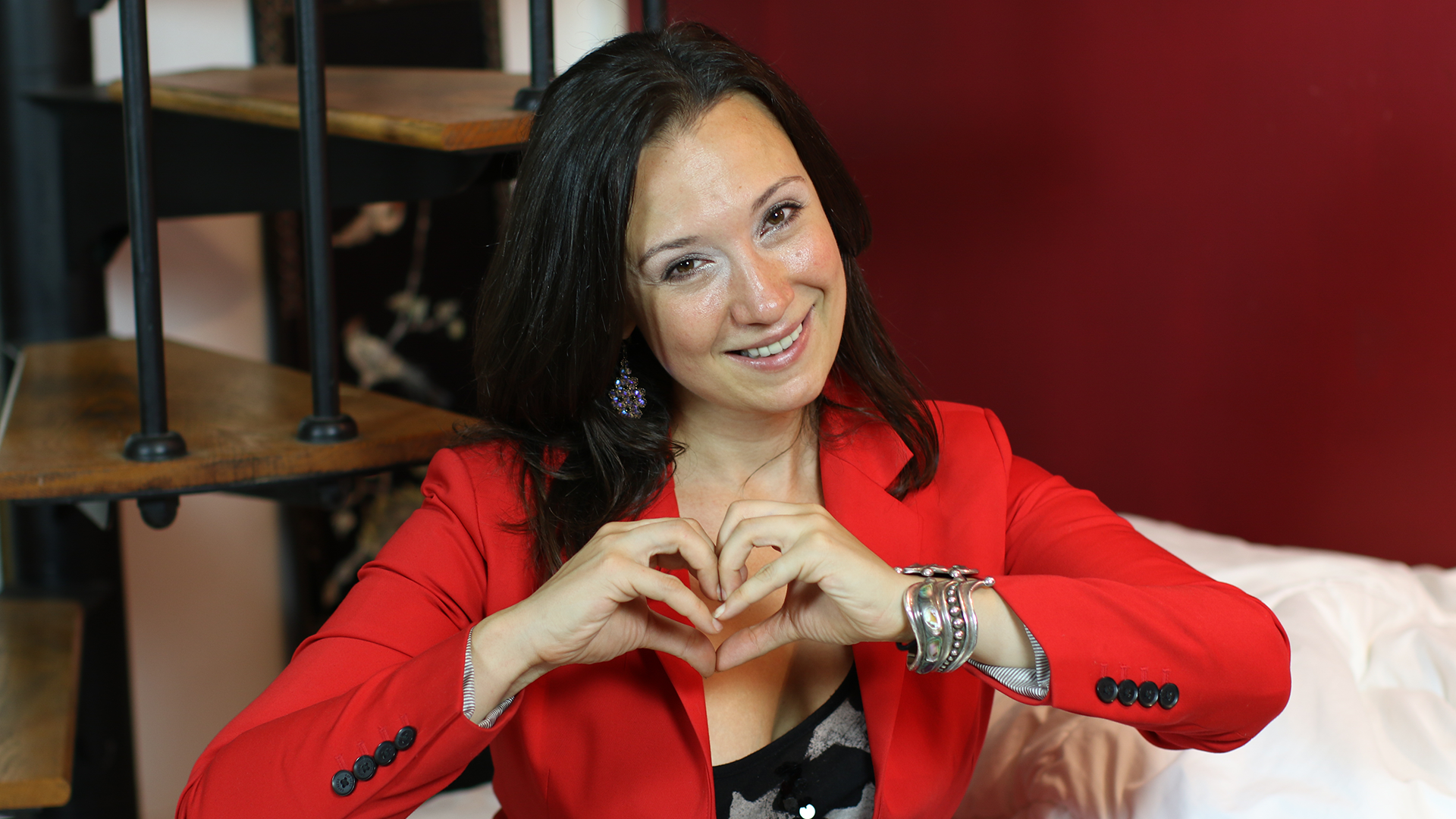 Dr. Laurén Laurino: There Is a Common Thread Connecting Us All — Photo Credit: Shefik