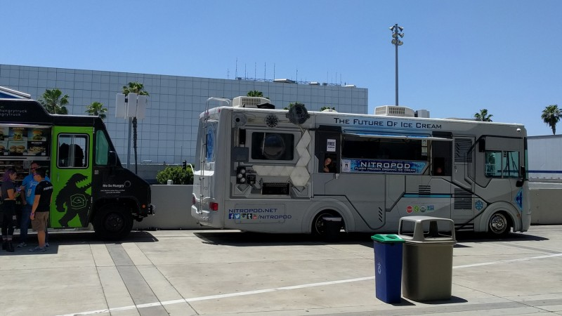 Behold, the saddest sight of E3 2018: Lonely foodtruck lady. Sadly, the world just isn't ready for the future of ice cream.