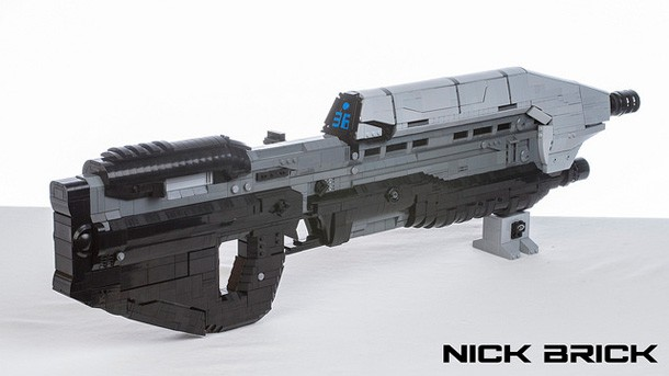 3 250 lego pieces came together to create this halo 5 assault rifle
