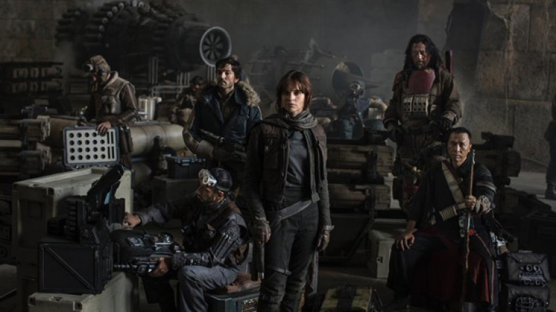 Enormous Rogue One: A Star Wars Story Leak Reveals Characters, New Vehicles