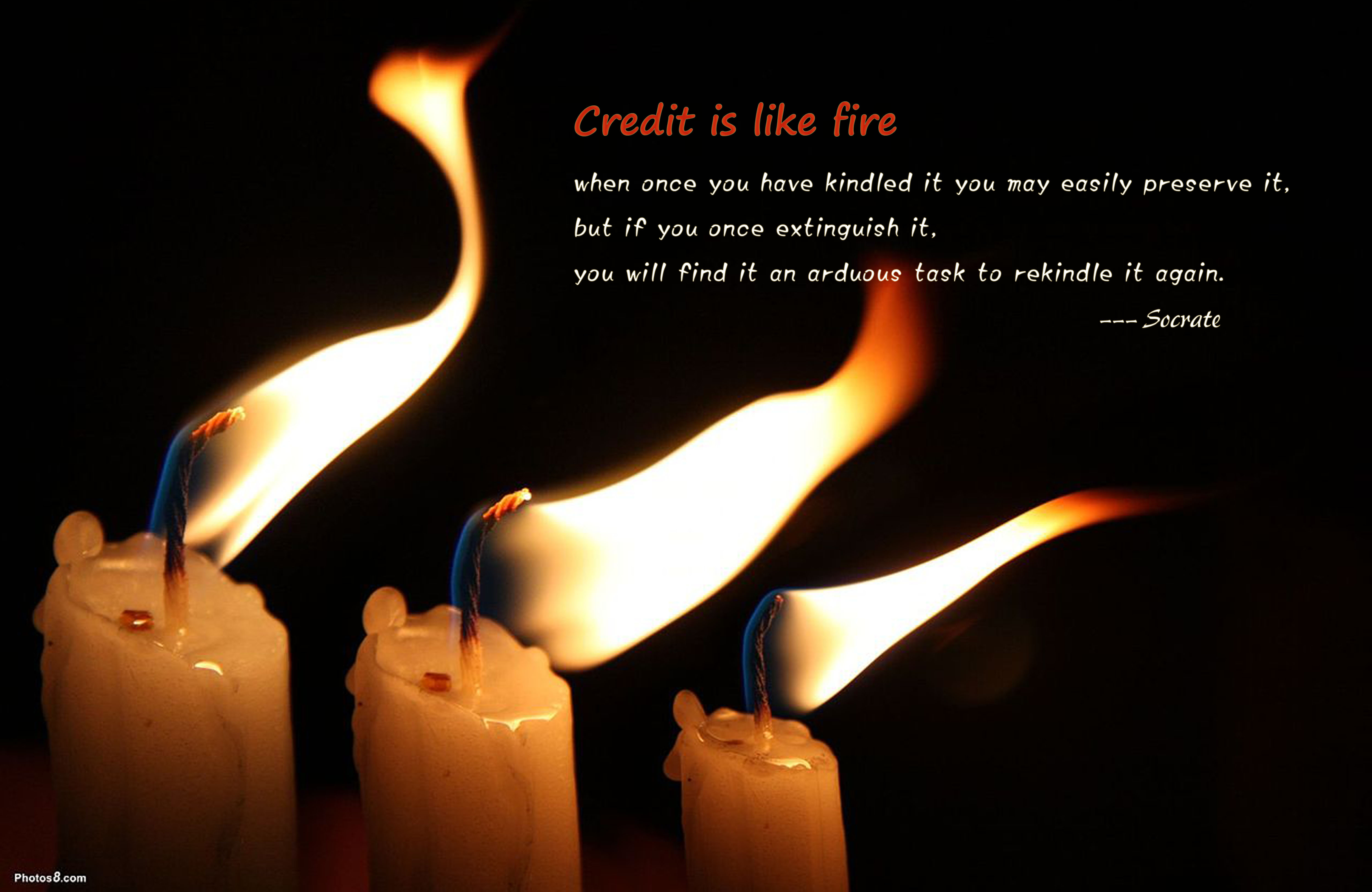 Candles_flame_in_the_wind