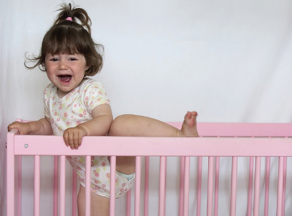 5 tips on how to handle toddler sleep problems.