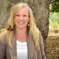 Profile photo of Lisa Perry