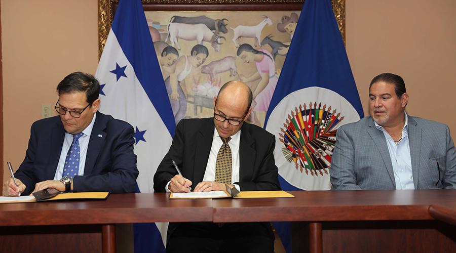 Honduras y Cicad firman convenio para contrarrestar consumo de drogas