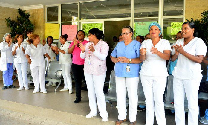 A paro enfermeras auxiliares