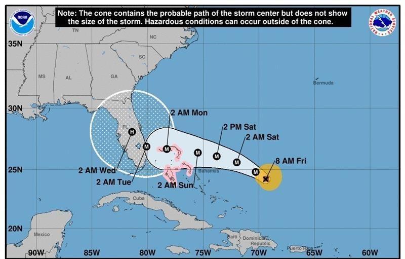 Dorian se acerca a Florida convertido en huracán de categoría 4