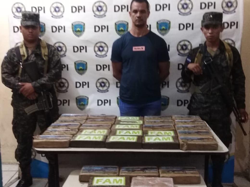 Por posesión y tráfico de drogas detienen a dominicano en el Sur de Honduras