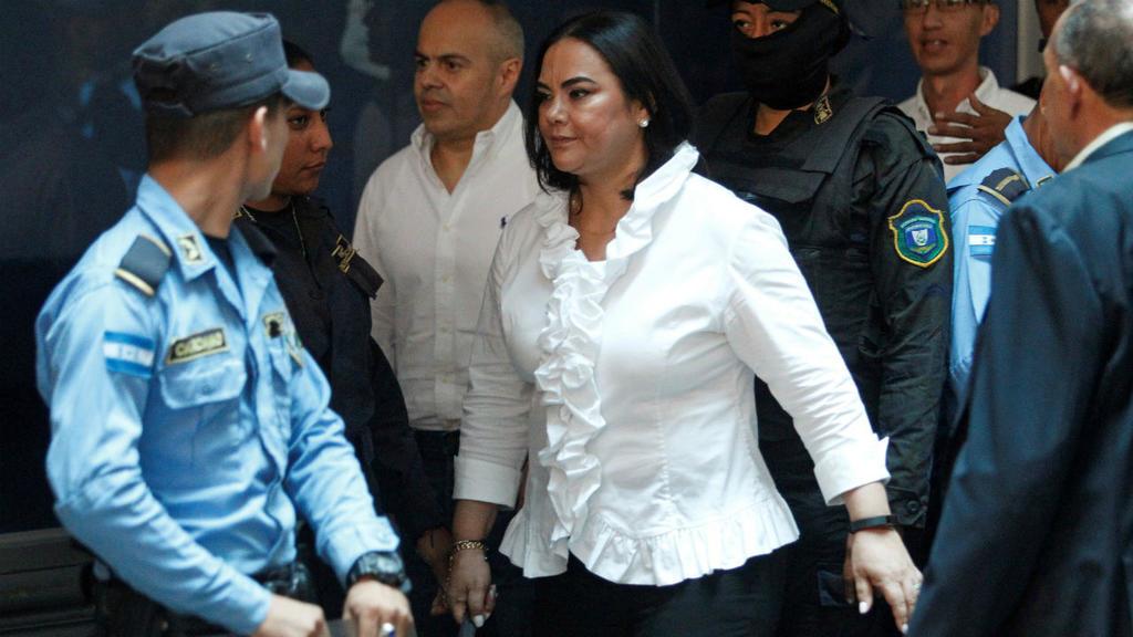 Condenan a 58 años de prisión a  ex primera dama de Honduras