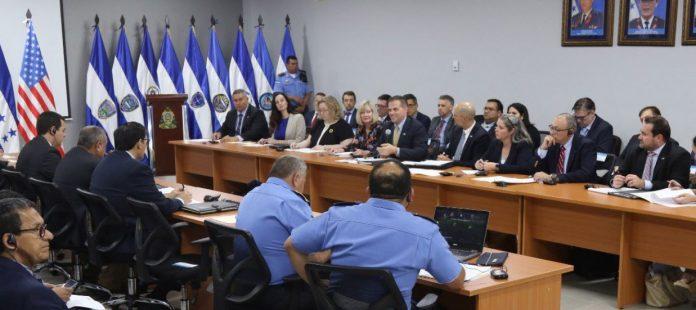 Reunión entre Honduras y EEUU