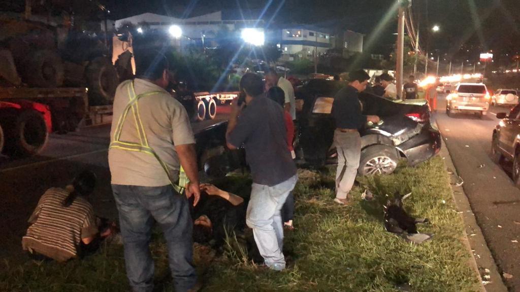 Varios heridos deja aparatoso accidente de tránsito en la capital hondureña