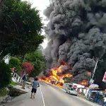 Imagen de incedio de viviendas en la carretera al sur de Honduras