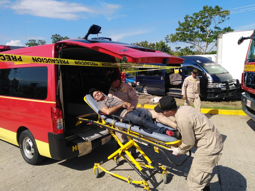 Al menos 25 personas lesionadas en dos accidentes en Guaimaca,FM y Naco, Cortés