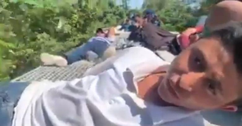 """Abordo de """"La Bestia"""" adolescente hondureño pide a Dios que le ayude ingresar a Estados Unidos"""