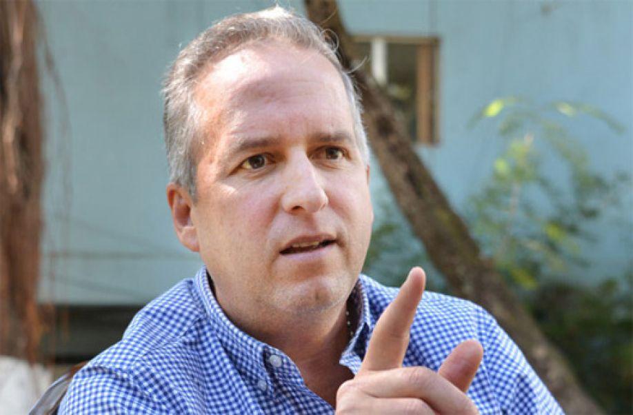 Ricardo Álvarez les sugiere a los nacionalistas hablar menos y practicar más la unidad