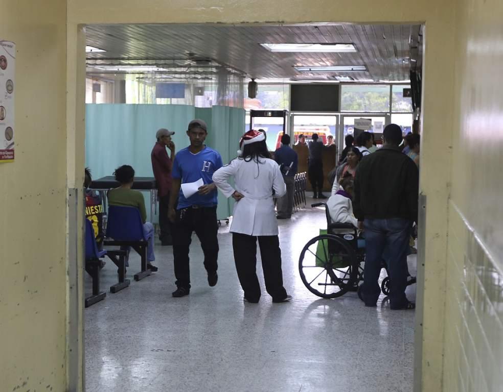 Video: Médico desnuda las calamidades del primer centro asistencial del país
