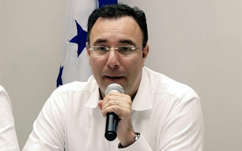 Luis Zelaya Medrano.