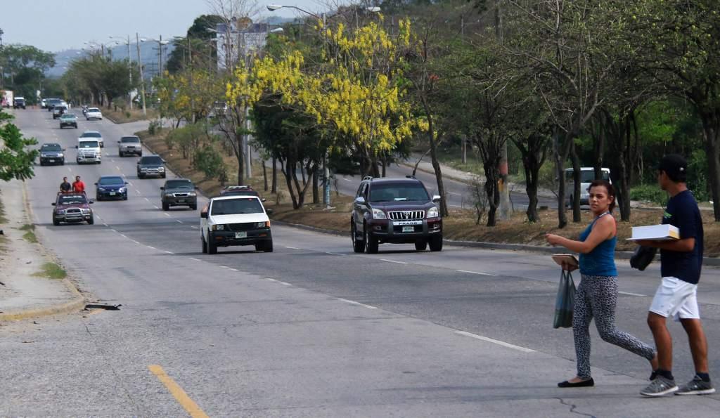 Atropellan a dos estudiantes de secundaria en la capital