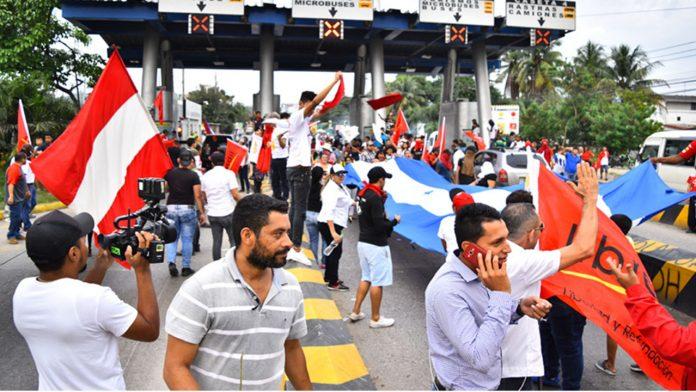 Oposición pide golpe de Estado.