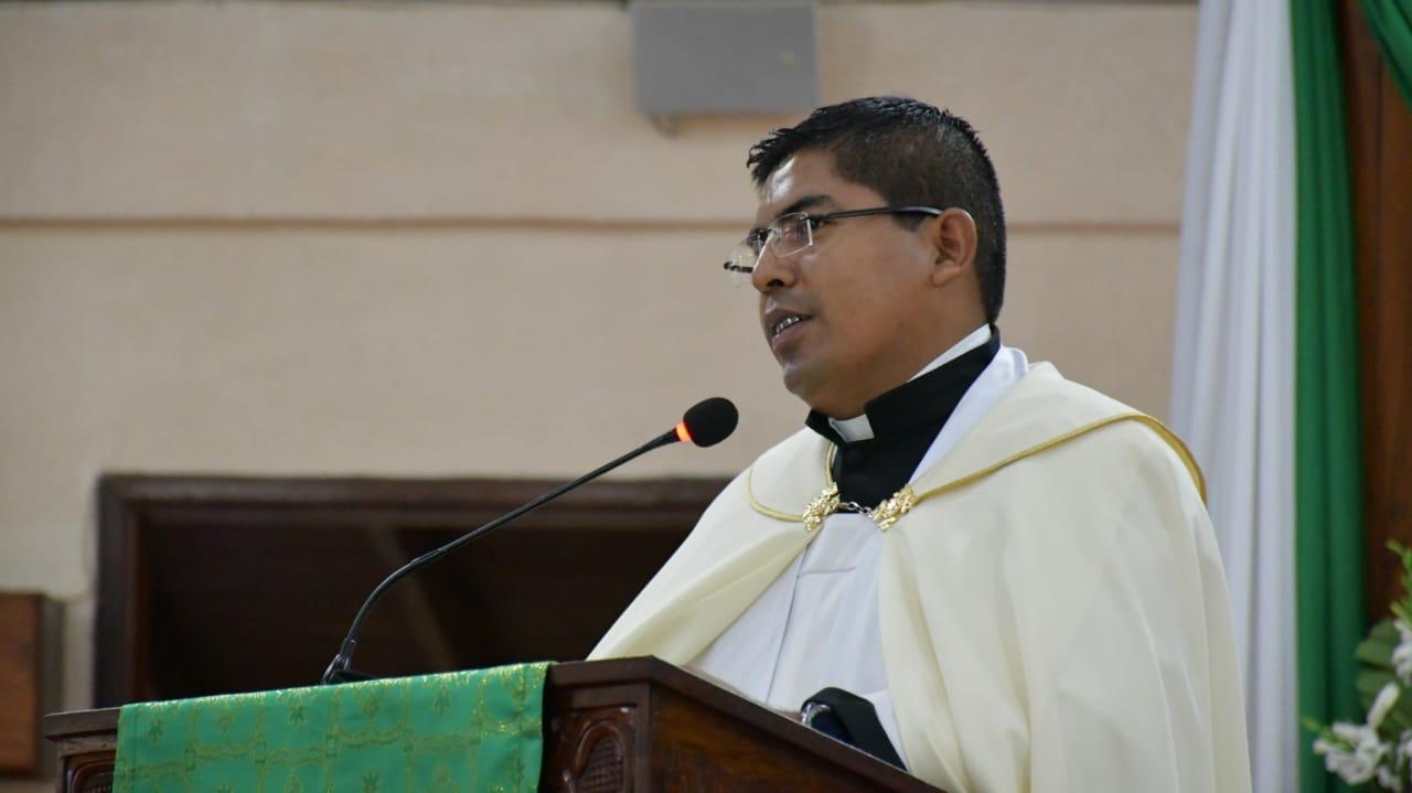 Hechiceros y falsos sacerdotes asedian a la feligresía católica
