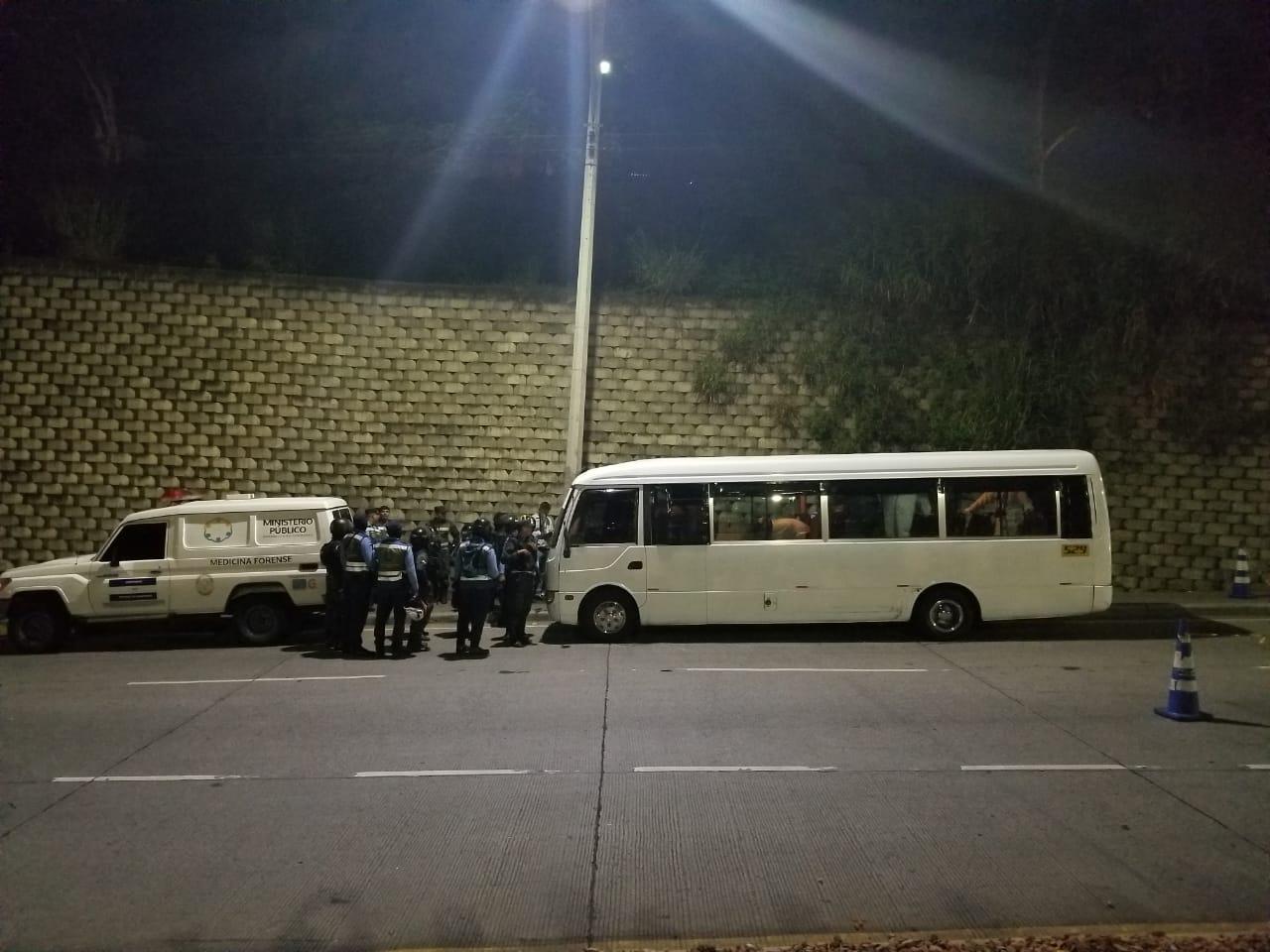 """Asesinan ayudante de bus """"rapidito"""" en colonia El Carrizal"""