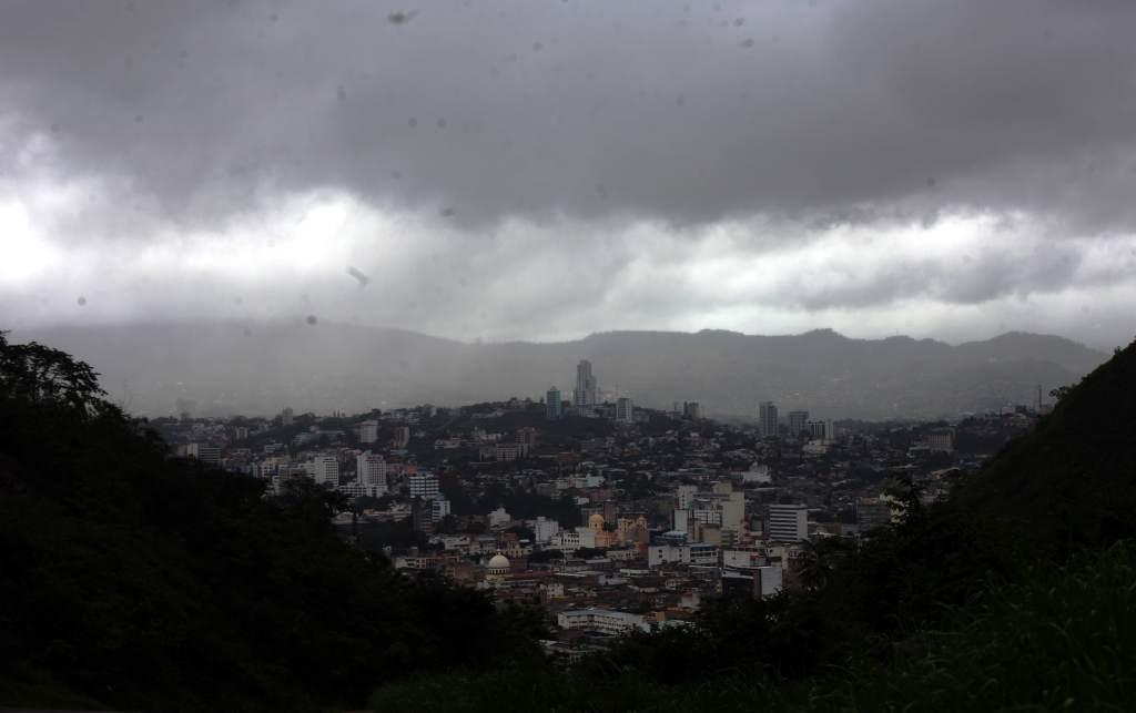 Lluvias leves en Honduras