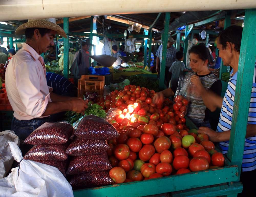 Se mantienen los precios de la canasta básica en las ferias de Tegucigalpa