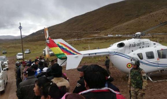 De emergencia aterriza el helicóptero del presidente Evo Morales