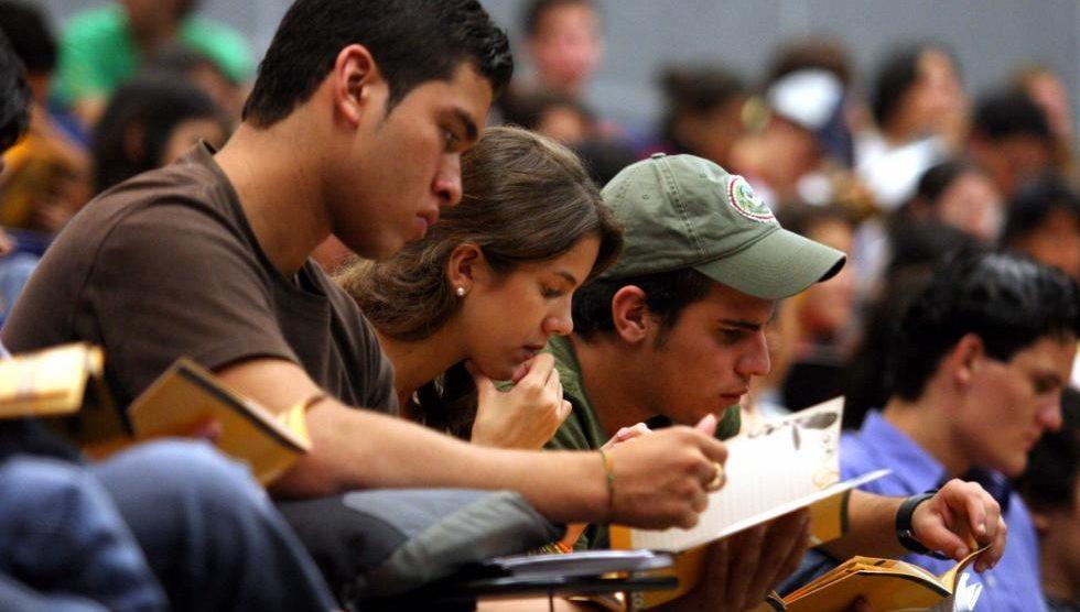 Solamente cuatro de cada diez egresados universitarios encuentran empleo