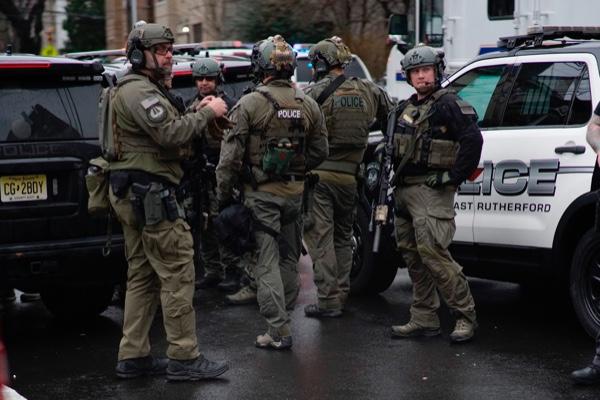 Seis muertos deja tiroteo en un supermercado en Nueva Jersey