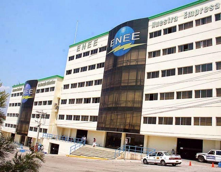Por creación de planillas fantasmas que causaron un perjuicio de más de 11 millones de lempiras CNA denuncia a exgerente de la ENEE