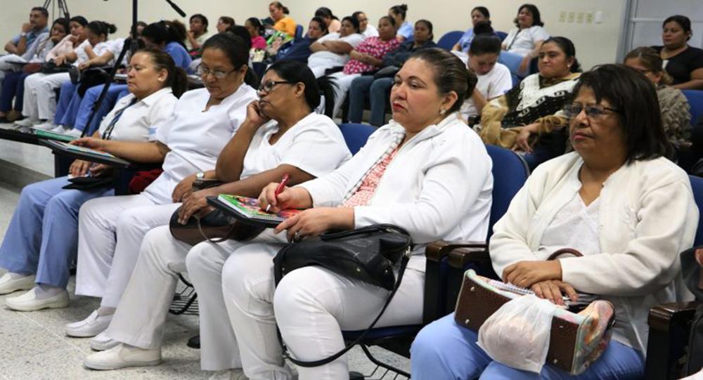 Gobierno convoca a reunión urgente al gremio de enfermería en relación al reajuste salarial