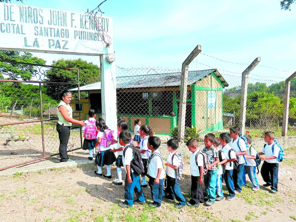 Un millón de niños en edad para estudiar siguen excluidos del sistema en Honduras