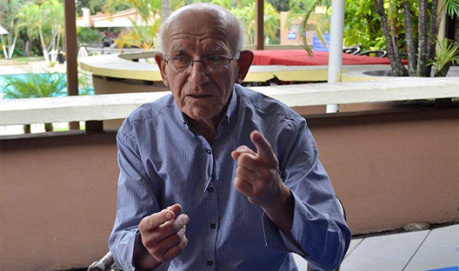 Si el salario mínimo se aplicará a presidentes, diputados y alcaldes los candidatos desaparecerían, dice padre Milla