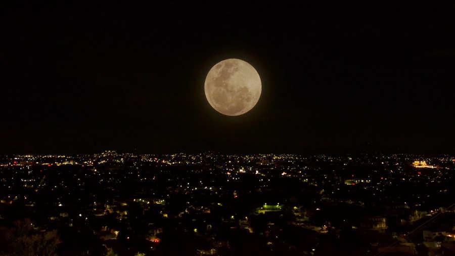 En esta fecha se verá la primera Superluna de 2020
