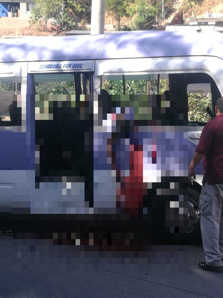 Asesinan a conductor y ayudante de bus rapidito en Los Pinos