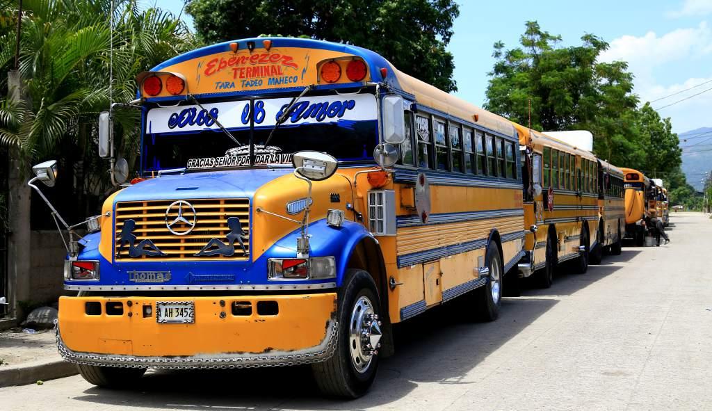 No se permitirá que conductores de buses anden televisores y música a todo volumen